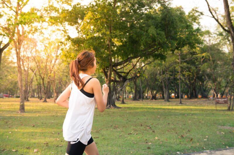 frau-joggt